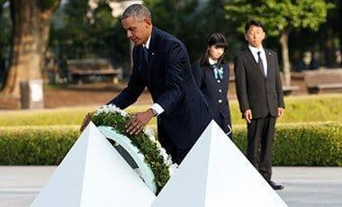 U.S. President Barack Obama lays a wreath at a cenotaph at Hiroshima Peace Memorial Park in Hiroshima, Japan May 27, 2016. Pix: Reuters