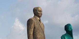 Zuma-statue