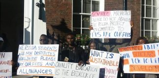 Rivers_students_protest_against_Wike (2)