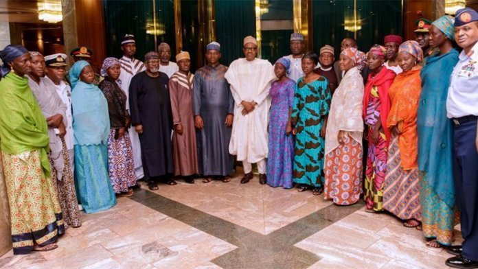 Buhari with rescued lecturers