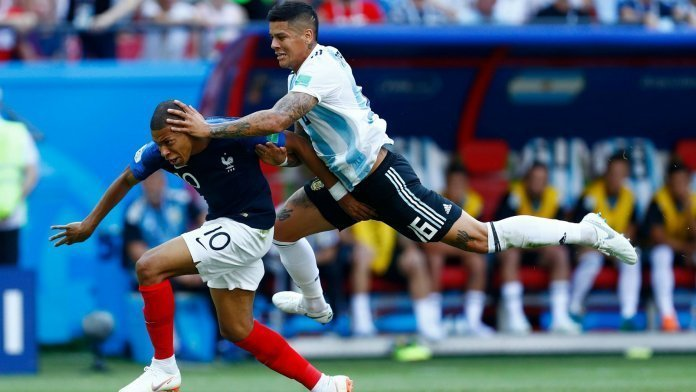 penal-rojo-mbappe-argentina-france-francia-world-cup
