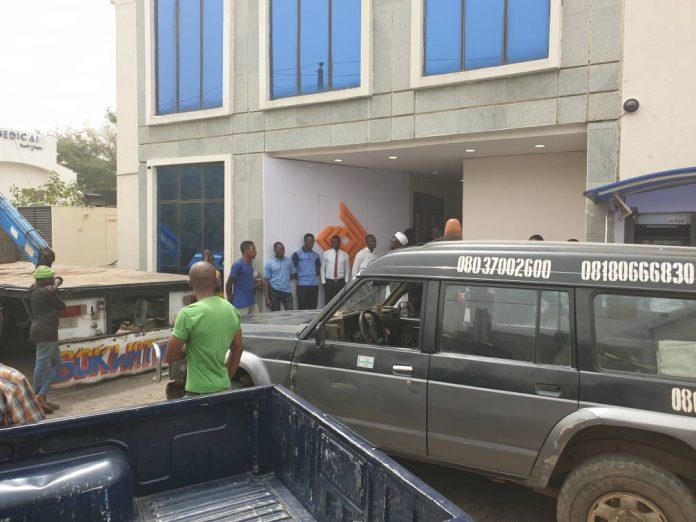 Police Seals Off Access Bank Branches In Abuja